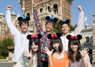 9-place-relax-with-friend-04-tokyo-disney-resort