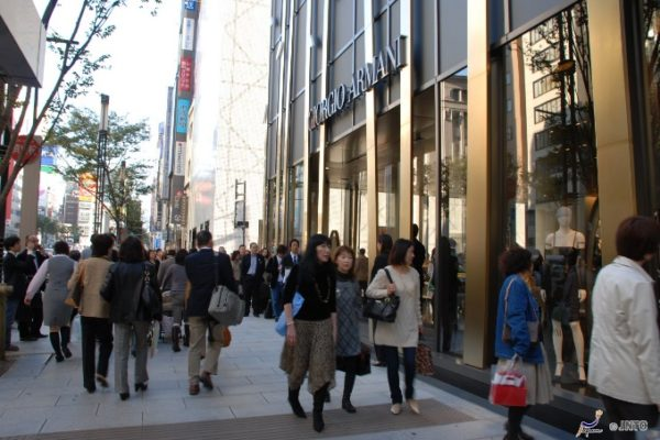 9-shopping-area-04-ginza