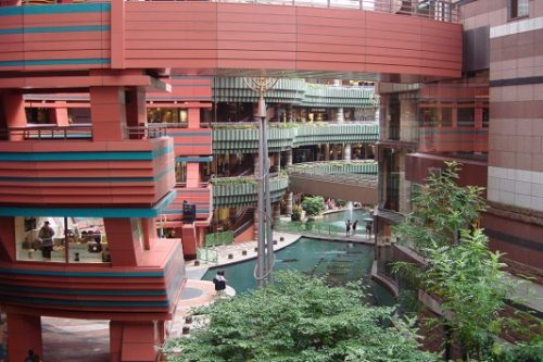 9-shopping-area-14-canal-city-hakata