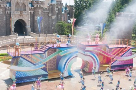 summer-in-theme-park-02
