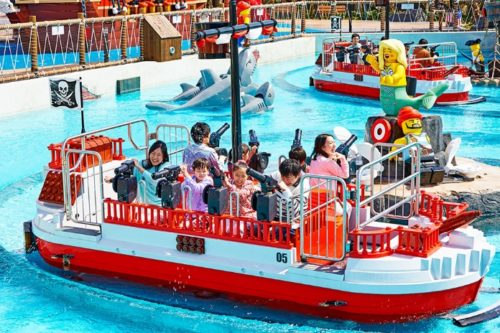 summer-in-theme-park-05